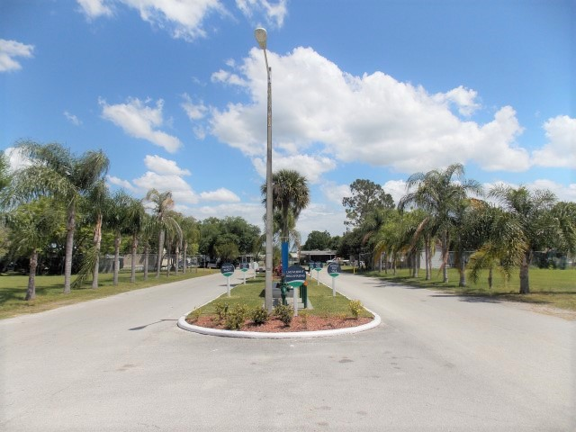 Sunshine Village Mobile Mfg Homes For Sale In Lakeland Fl